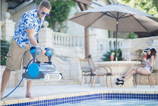 a-pool-cleaner-for-fiberglass-pools